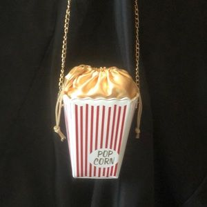 Handbags - NEW Popcorn Purse Gold Chain Designer